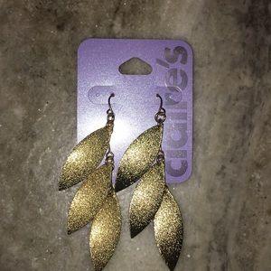 Gold leaf earrings, brand new